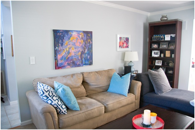 An Abstract Painting In A Living Room Part 77
