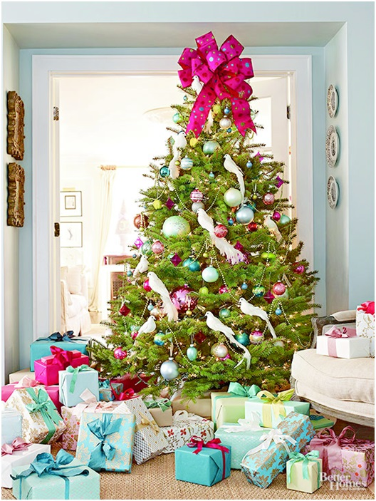 A Christmas Tree with White Doves Decor