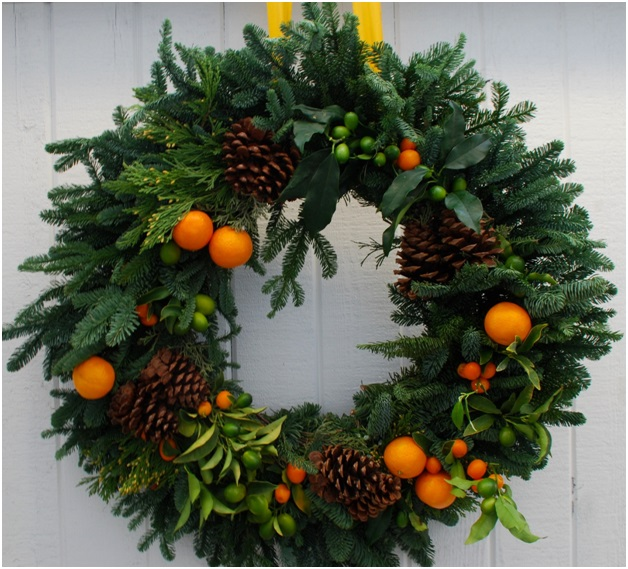 A Citrus Christmas Wreath
