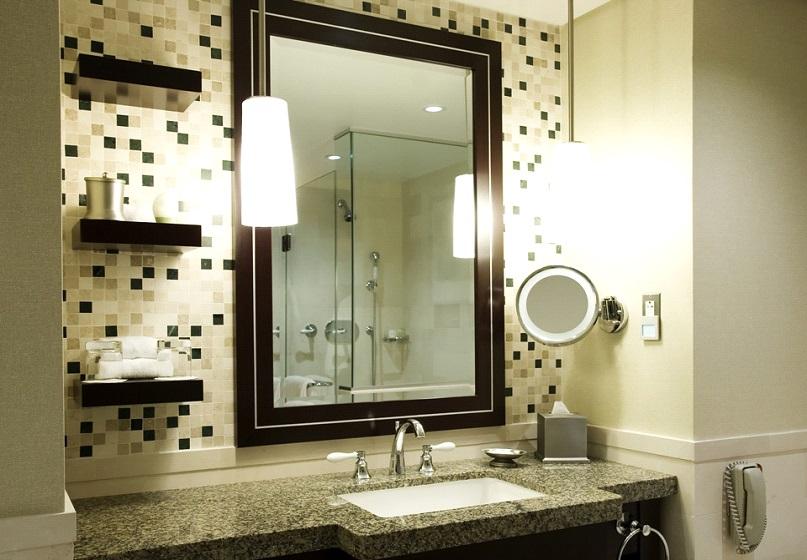 Mirror in Bathroom Wall Decor