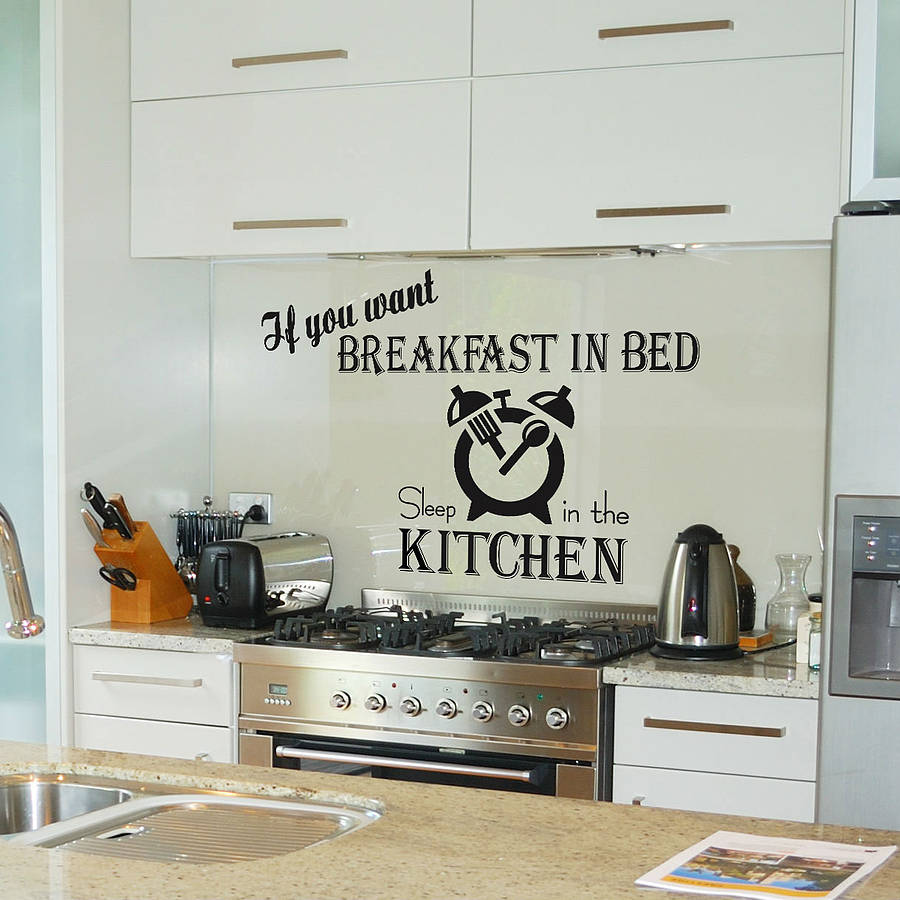 What Are Inexpensive Kitchen Wall Decor Ideas