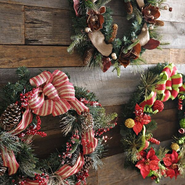 How To Enhance Home With Christmas Wall Decor Printmeposter Com Blog